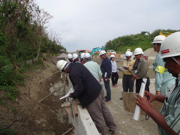 与那原バイパス補強土壁工事見学