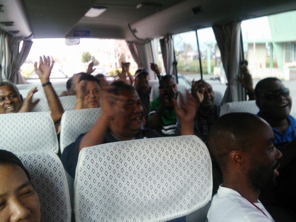 移動バス内の様子